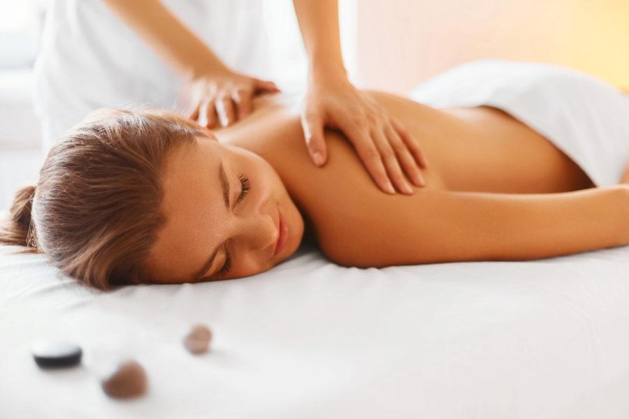 Peeling-Massage mit Sheabutter
